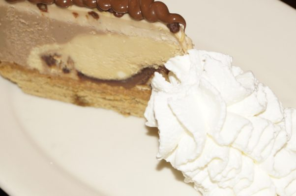 Looking For A New Place To Lunch Why You Want To Try The Cheesecake Factory.